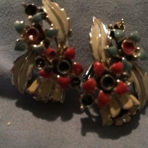 Vintage earrings clip on